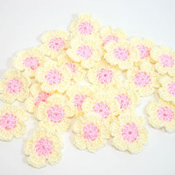 Mini Crochet Flower Appliques, Tiny Crochet Flowers, Embellishment Scrapbooking, ivory and pink flowers (Set of 12)