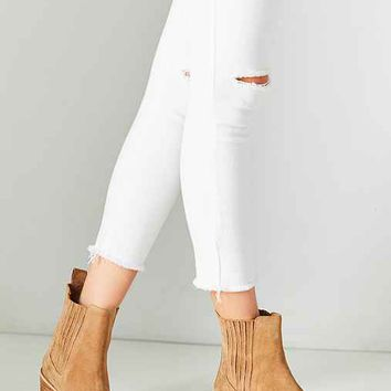 June Pointy Toe Chelsea Boot