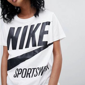 Nike Based on the classic LOGO all-match handsome simple short sleeved T-shirt