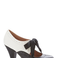 Chelsea Crew Vintage Inspired Book Signing Soiree Heel in Black