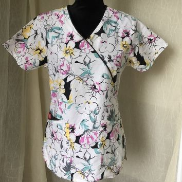 Dickie's Women's Scrub Top Floral Pattern XS