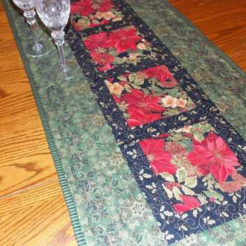 Emerald Green Christmas Poinsettia Table Runner Quilt