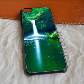 Spring Waterfall iPhone 5C Case