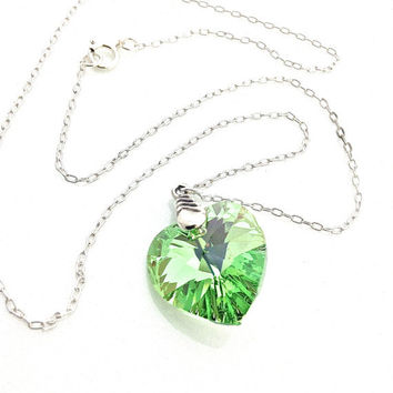 Peridot Pendant, Peridot Necklace, Light Green Jewelry, Lime Green Jewelry, Gift for Teen, Summer Jewelry, Spring Green, Cute, Sparkly