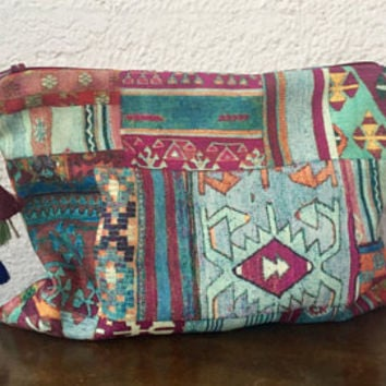 CARPET CLUTCH/Rug Handbag/Ethnic clutch/Ethnic Handbag/Kilim Clutch/Handbag/Ethnic Ipad Case/Ethnic Clutch/Carpet Clutch/Gift For Her
