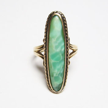 Victorian Baby Ring 10K Yellow Gold Size 3 Pinky Green Art Glass Antique Ostby and Barton