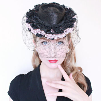 1930s Hat / VINTAGE / Toy Style / Ruffles / Horsehair / Straw / Tilt Hat / Veil / Pink & Black