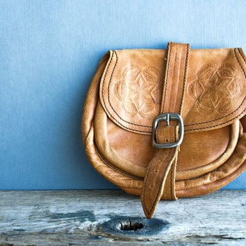 Boho Rustic Southwestern Unisex Leather Change Purse, Vintage Hand Tooled Camel Leather Purse
