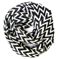 Black and Cream Chevron Infinity Scarf Womens Endless Loop Tube Scarf Chevron Printed Scarf Trendy Fashion Scarves Womens Teen Accessories