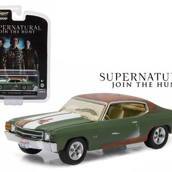 """Bobby\'s 1971 Chevrolet Chevelle SS Supernatural \2005 Current TV Series\"""" 1/64 Diecast Model Car by Greenlight"""""""