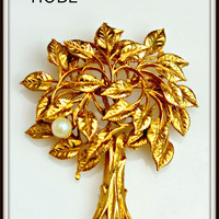 Vintage Hobe Gold and Pearl Tree Brooch