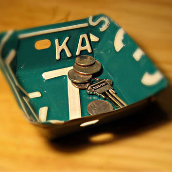 Upcycled Vintage Kansas License Plate Change Bowl