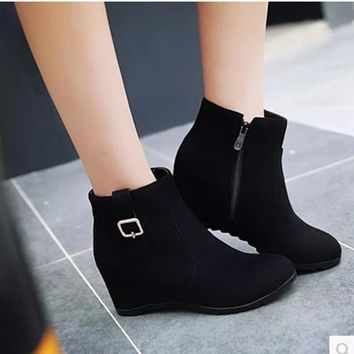 Women's zip Wedges