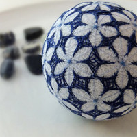 Handmade Japanese Fiber Art Flower-Shaped Temari Decoration Ball