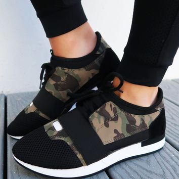 Run It Sneakers: Black/Camo