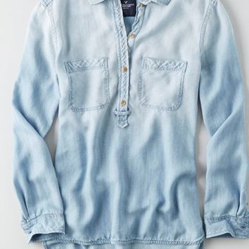 AEO Women's Boyfriend Chambray Shirt (Light Wash)