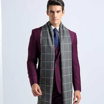 The new plaid scarf Men 's universal paragraph tide business British wind collar warm tidal scarf