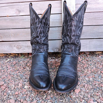 Dan Post boots / size 10 D / black leather cowboy boots / Dan Post western boots / leather upper / leather soles / DP2110R