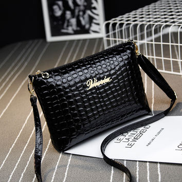 New 2017 Black plaid clutch Fashion Women CrossBody Bag Purse shoulder Bags Crocodile Simple Small handbag Women Messenger Bags