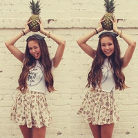 If you were a fruit, you would be a fineapple.♡
