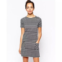 Houndstooth Pattern Short-Sleeve Dress With Pockets
