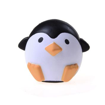 2017 NEW Hot Sale Squishy Penguin Animal Slow Rising Sweet Scented Vent Charms Bread Cake Kid Children Fun Gap Toy Gift
