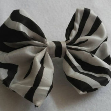 Zebra Print hair bow, perfect for all ages