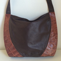1980's Italian Leather Shoulder Bag / Plum + Wine / Embossed Crocodile Print / Large / 80s Vintage
