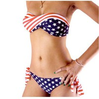 The flag of the United States flag bikini that wipe a bosom