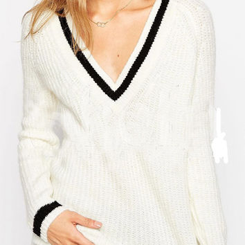 White Contrast Lining V-Neck Sweater