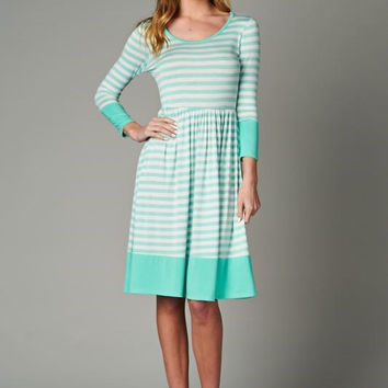 Striped 3/4 sleeve Dress (Plus)