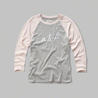embroidered logo graphic baseball tee