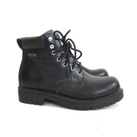 Vintage black work boots. Chunky lace up boots. waterproof shoes. men's 8.5
