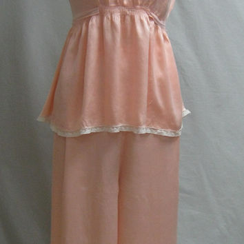 Vintage 30s Gatsby GLAM Silk BOUDOIR PAJAMAS Blush Pink Flapper style Lace and with Ribbon Trim Medium