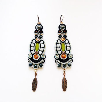 Bohemian dangle earrings. Gray - black soutache earrings. Bohemian jewelry.