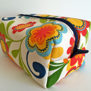 Boxy Bag Cosmetic Bag Toiletry Bag Travel bag Makeup Bag in Orange Flower