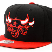 NBA Mitchell and Ness Bulls Triple Stack Black 2Tone Snapback Hat