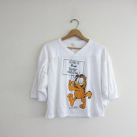 Vintage 1978 - white Garfield the Cat Tee Shirt / So this is Maui Big Fat Hairy Deal cropped tshirt