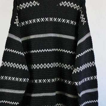 Pullover Sweater. Tribal Pattern Sweater. Black White Sweater. Fall Spring Sweater. Vintage. Size Xl. GOGOVINTAGE