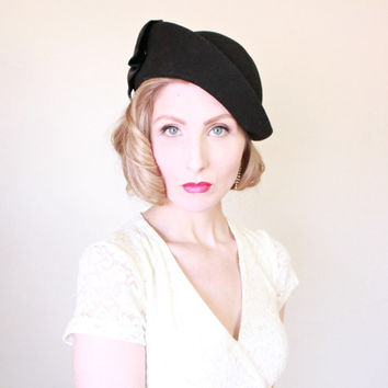 1950s Hat / VINTAGE / 50s Hat / Sculpted Wool / Black / Satin / Bow / Mary Crawley Style / PRETTY