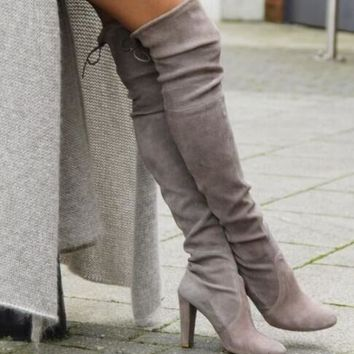 With high elastic boots stick legs round head long knee-high boots