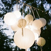 Fonder Mols® Mixed Sizes White Round Paper Lanterns with Mini LED Party Light for Wedding Engagement Birthday Party Decoration Favor (12PCS Mixed Sizes)