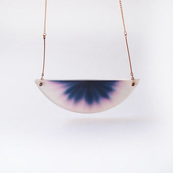 ombre necklace chromatography . gradient dark blue and pink . 14k gold filled chain . acrylic cover . midnight sky