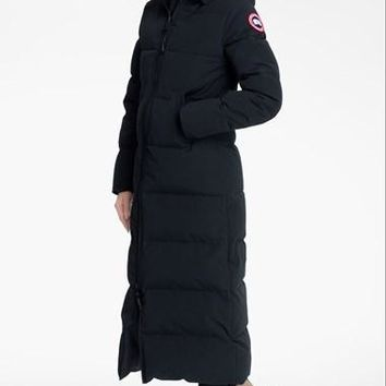 Women's Canada Goose 'Mystique' Regular Fit Down Parka with Genuine Coyote Fur Trim,