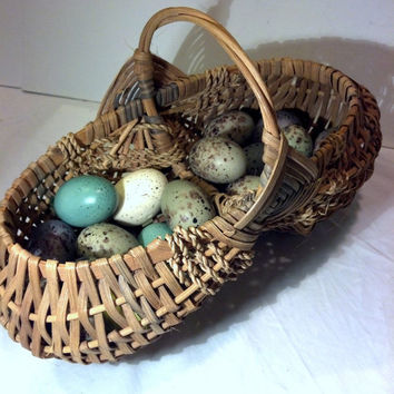 Egg Basket - Vintage Buttocks, Egg Gathering, Primitive, Rustic - Great Decor - Farmhouse, Cottage Chic, Shabby, French Country Antique