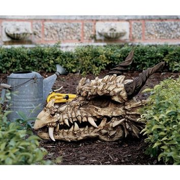 SheilaShrubs.com: Stoker's Moors Dragon Skull Statue - Large CL2817 by Design Toscano: Garden Sculptures & Statues