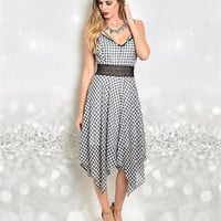 Being True to Me Gingham Dress: Black/White