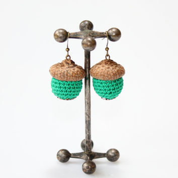 Crochet Earrings with antique bronze findings/ Emerald  / Crochet jewelry / acorns / Handmade / Always in Fashion / gift under 15