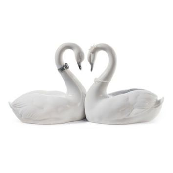 Lladró Endless Love Porcelain Figurine