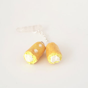 Miniature Cute Twinkies Cake Dust plug, Keychain or Phone charm, Kitsch tiny snack cakes